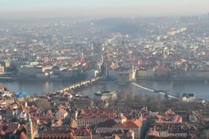 Die goldene Stadt Prag ist das Ziel der Fahrradtour durch Böhmen
