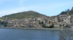 Eine der vielen kleinen Ortschaften in der Provence