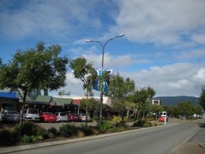 Blick auf die Hauptstraße von Te Anau, Neuseeland