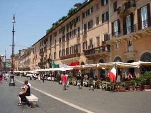 Roms bekannte Flaniermeile - Die Piazza Navona