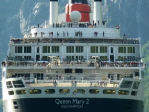 Die Queen Mary 2, ein majestätisches Kreuzfahrtschiff